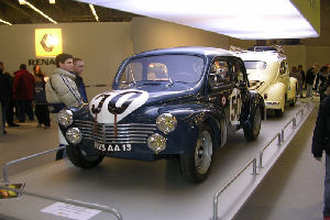 4 CV Renault  - Photo Annie Pieters